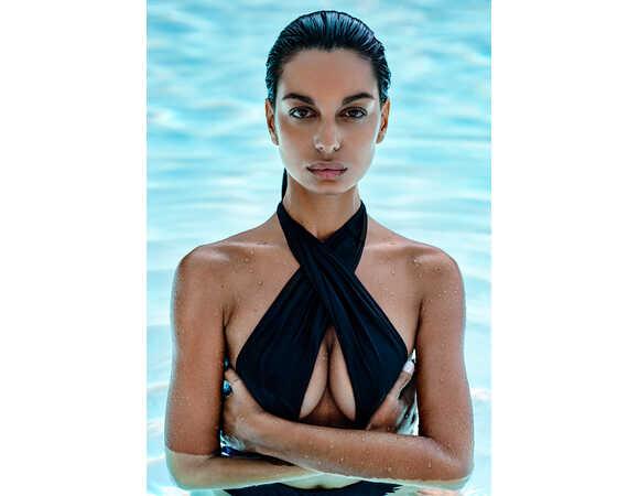 Afbeelding3 Artikel: Swimsuit met bandjes Variant: 1128 Parent:  Datum: 05/06/2020 17:18:42
